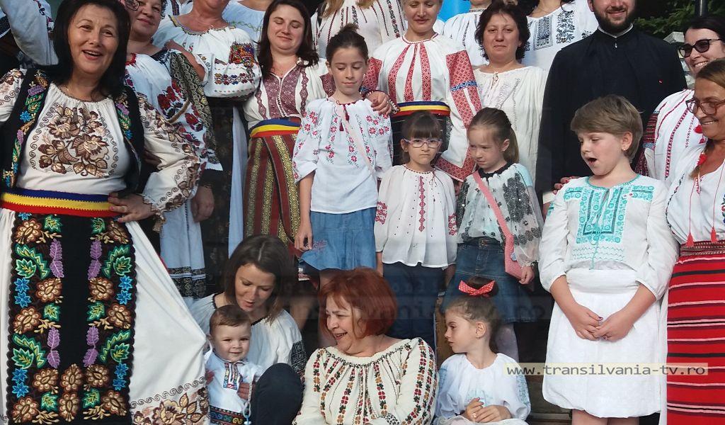 Ia românească – crucea și rugăciunea neamului românesc (Galerie FOTO)